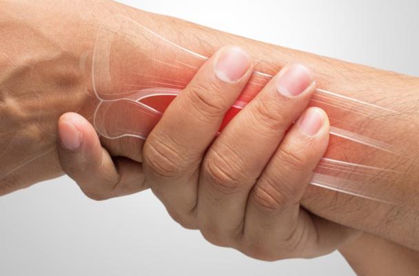 tay bị đau nhức trong xương